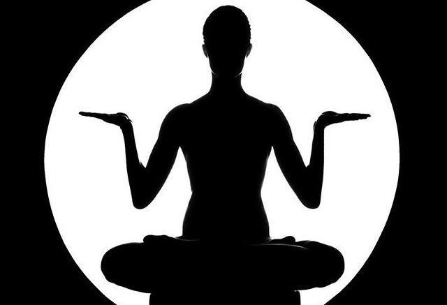 Achtsamkeitsbasiertes Yoga
