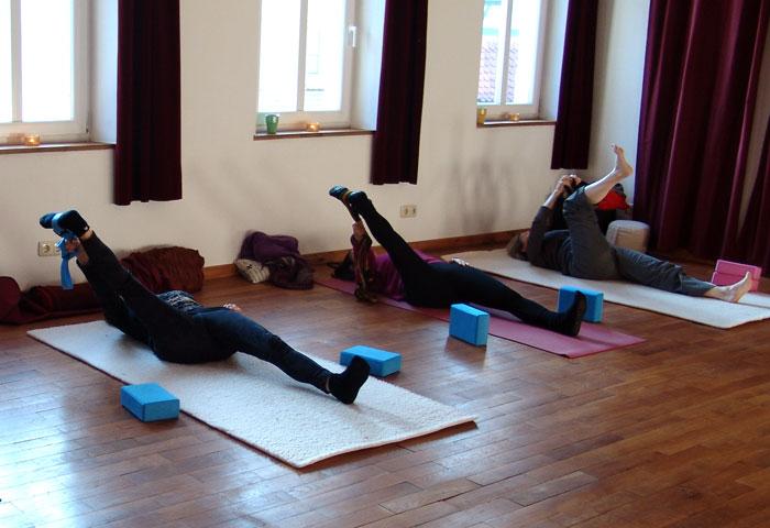 Für Lehrer: Yoga mit Hilfsmitteln